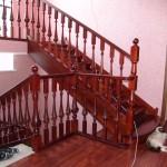 Лестница классическая деревянная